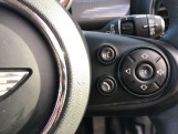 2017 MINI 5-door Cooper (Red) - Image: 18