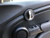 2019 MINI 5-door Cooper Classic (Black) - Image: 20