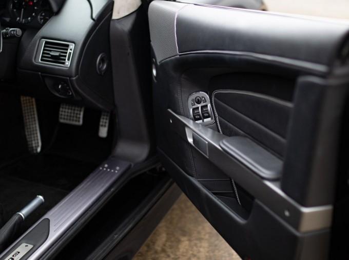 2016 Aston Martin 5.9 GT Touchtronic II 2-door (Black) - Image: 13