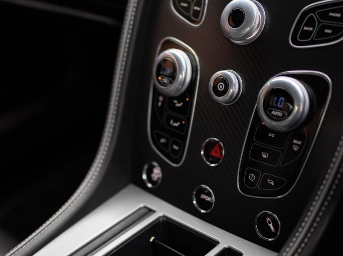 2016 Aston Martin 5.9 GT Touchtronic II 2-door (Black) - Image: 16
