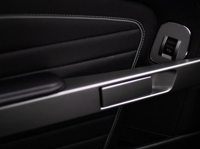 2016 Aston Martin 5.9 GT Touchtronic II 2-door (Black) - Image: 18