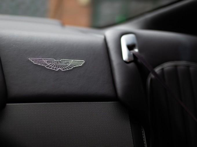 2016 Aston Martin 5.9 GT Touchtronic II 2-door (Black) - Image: 19