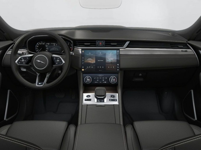 2021 Jaguar MHEV R-Dynamic S Auto 5-door (White) - Image: 4