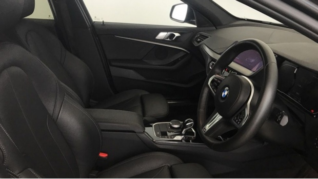 2020 BMW 118d M Sport (Grey) - Image: 11