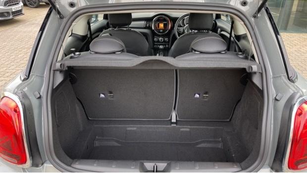 2021 MINI 3-door Cooper Classic (Grey) - Image: 13