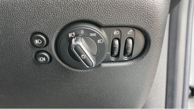 2021 MINI 3-door Cooper Classic (Grey) - Image: 37