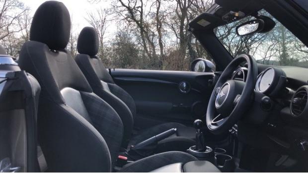 2017 MINI Cooper S Convertible (Silver) - Image: 11