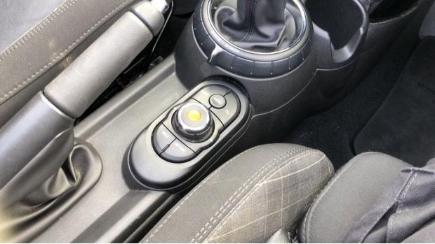 2017 MINI Cooper S Convertible (Silver) - Image: 19