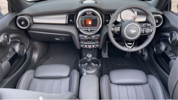 2021 MINI Cooper Exclusive (Grey) - Image: 4