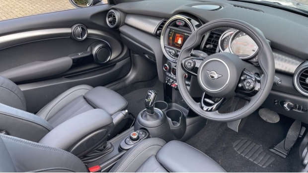2021 MINI Cooper Exclusive (Grey) - Image: 6