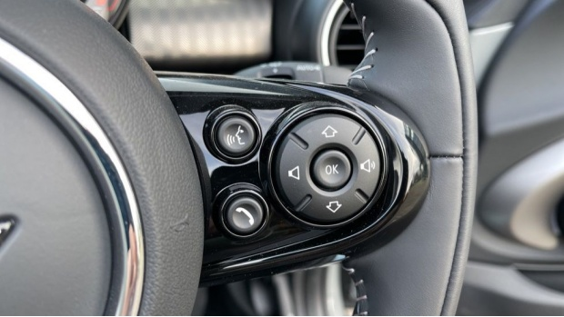 2021 MINI Cooper Exclusive (Grey) - Image: 18