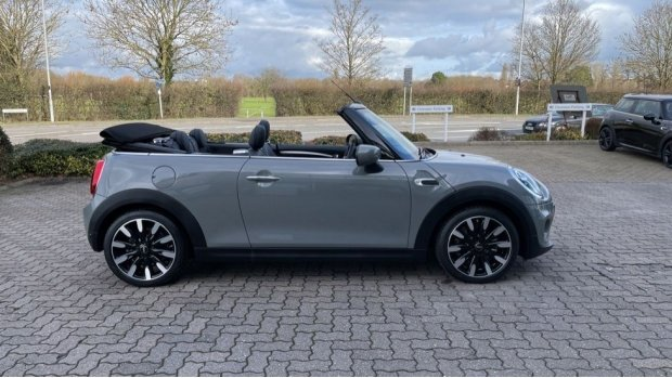 2021 MINI Cooper Exclusive (Grey) - Image: 35