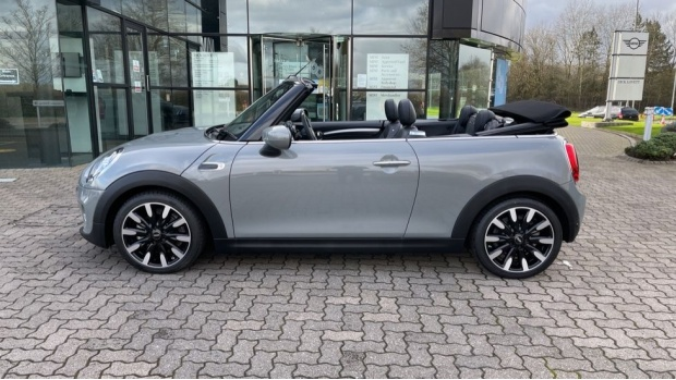 2021 MINI Cooper Exclusive (Grey) - Image: 38