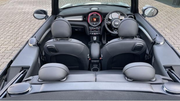 2021 MINI Cooper Exclusive (Grey) - Image: 39