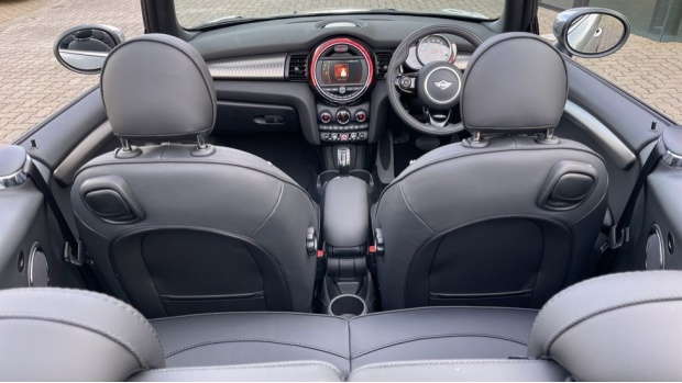 2021 MINI Cooper Exclusive (Grey) - Image: 40