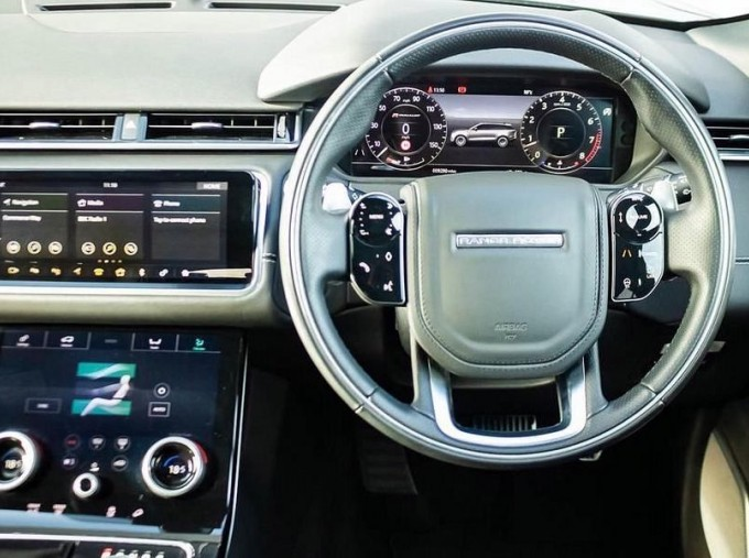 2019 Land Rover P300 R-Dynamic HSE Auto 4WD 5-door (Grey) - Image: 10