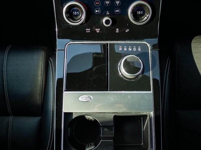 2019 Land Rover P300 R-Dynamic HSE Auto 4WD 5-door (Grey) - Image: 12