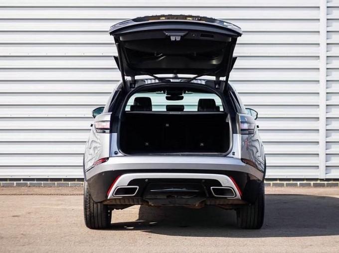 2019 Land Rover P300 R-Dynamic HSE Auto 4WD 5-door (Grey) - Image: 15