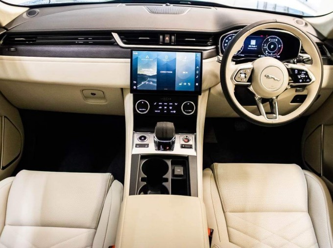 2021 Jaguar V6 MHEV HSE Auto 5-door (Grey) - Image: 8