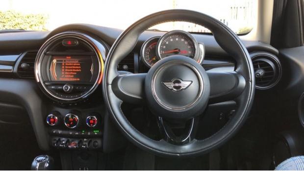 2017 MINI 5-door Cooper Seven Edition (Blue) - Image: 5