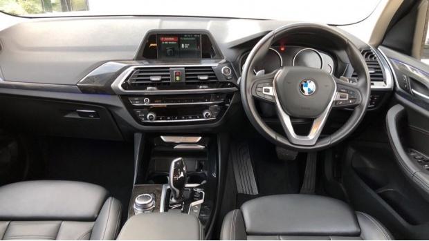 2018 BMW XDrive30d xLine (White) - Image: 4