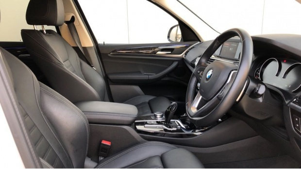 2018 BMW XDrive30d xLine (White) - Image: 6