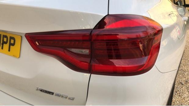 2018 BMW XDrive30d xLine (White) - Image: 21
