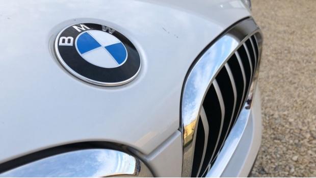 2018 BMW XDrive30d xLine (White) - Image: 23