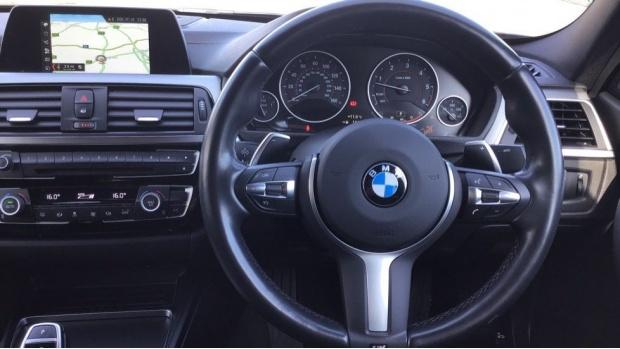 2017 BMW 335d xDrive M Sport Shadow Edition (Black) - Image: 5