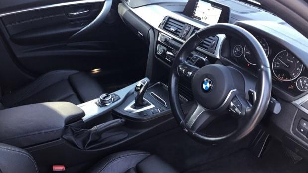 2017 BMW 335d xDrive M Sport Shadow Edition (Black) - Image: 6