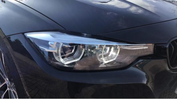 2017 BMW 335d xDrive M Sport Shadow Edition (Black) - Image: 23