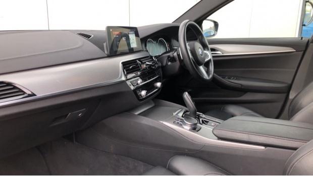 2018 BMW 520d M Sport Touring (White) - Image: 7