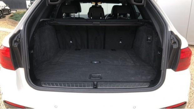2018 BMW 520d M Sport Touring (White) - Image: 13