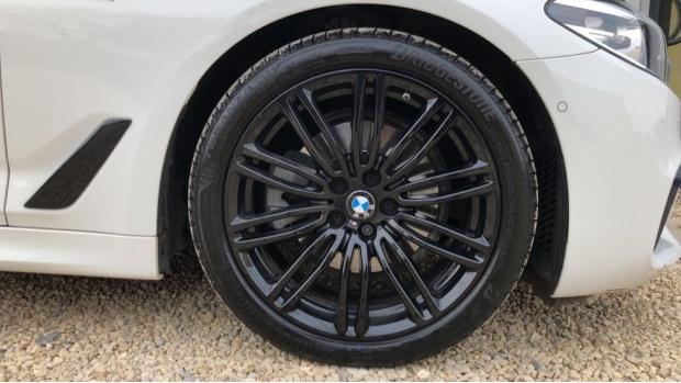 2018 BMW 520d M Sport Touring (White) - Image: 14