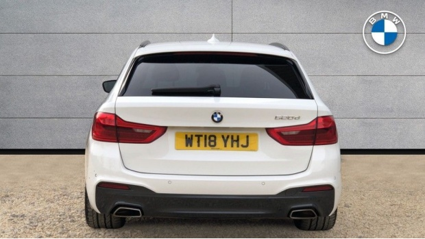 2018 BMW 520d M Sport Touring (White) - Image: 15