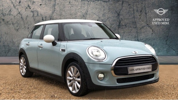2017 MINI 5-door Cooper (Blue) - Image: 1