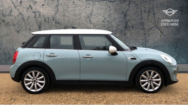2017 MINI 5-door Cooper (Blue) - Image: 3