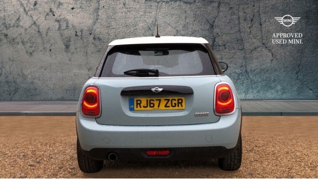 2017 MINI 5-door Cooper (Blue) - Image: 15