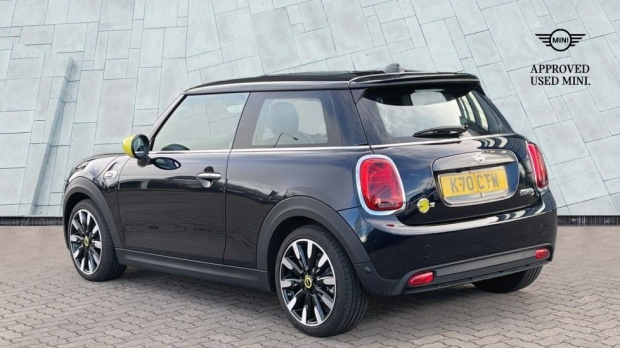 2020 MINI Electric Level 3 (Black) - Image: 2