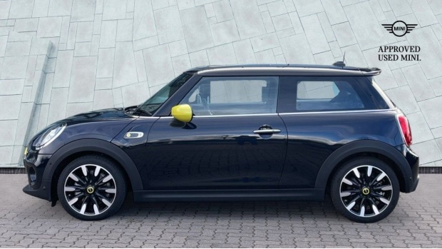 2020 MINI Electric Level 3 (Black) - Image: 3