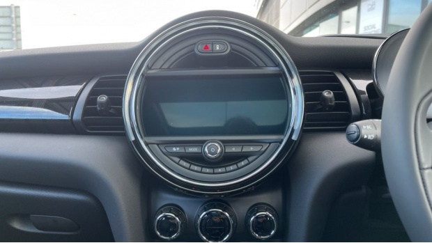 2020 MINI Electric Level 3 (Black) - Image: 8