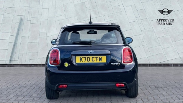 2020 MINI Electric Level 3 (Black) - Image: 15