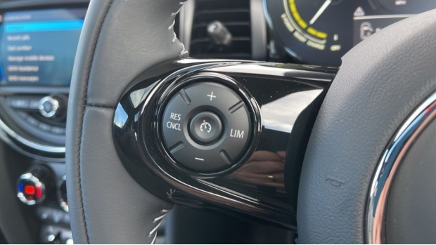 2020 MINI Electric Level 3 (Black) - Image: 17
