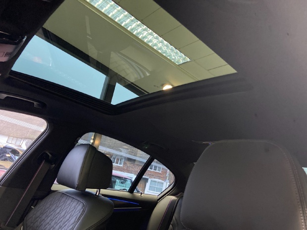 2021 BMW M550i V8 Steptronic xDrive 4-door  - Image: 12