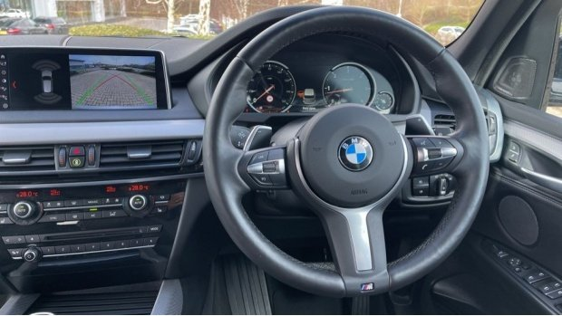 2018 BMW XDrive40d M Sport (Grey) - Image: 5