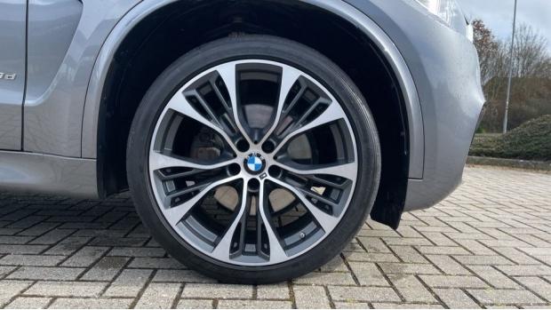 2018 BMW XDrive40d M Sport (Grey) - Image: 14