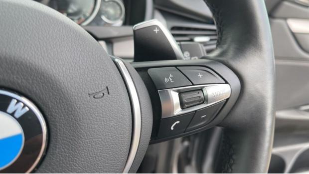 2018 BMW XDrive40d M Sport (Grey) - Image: 18