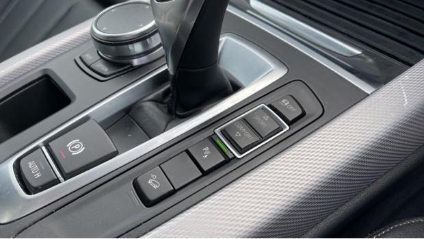 2018 BMW XDrive40d M Sport (Grey) - Image: 19