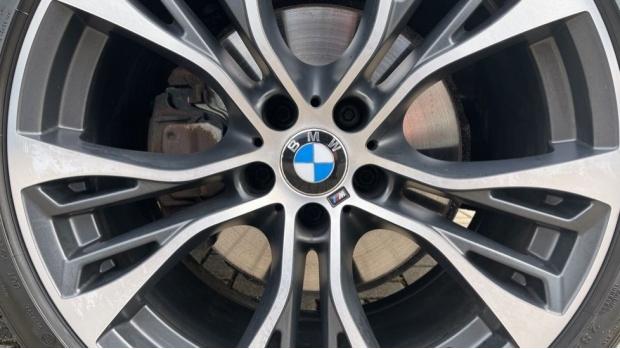 2018 BMW XDrive40d M Sport (Grey) - Image: 28