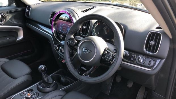 2021 MINI Cooper Exclusive (Black) - Image: 6